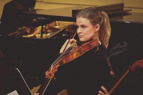 Violin teacher Viola lessons